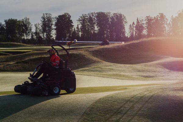 Tapiola_Golf_kentanhoito