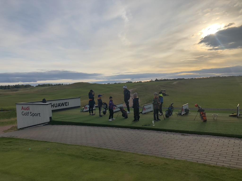 Huippusuositut Piltz Golf Schoolin junnuleirit palaavat kesäkuussa 2021!